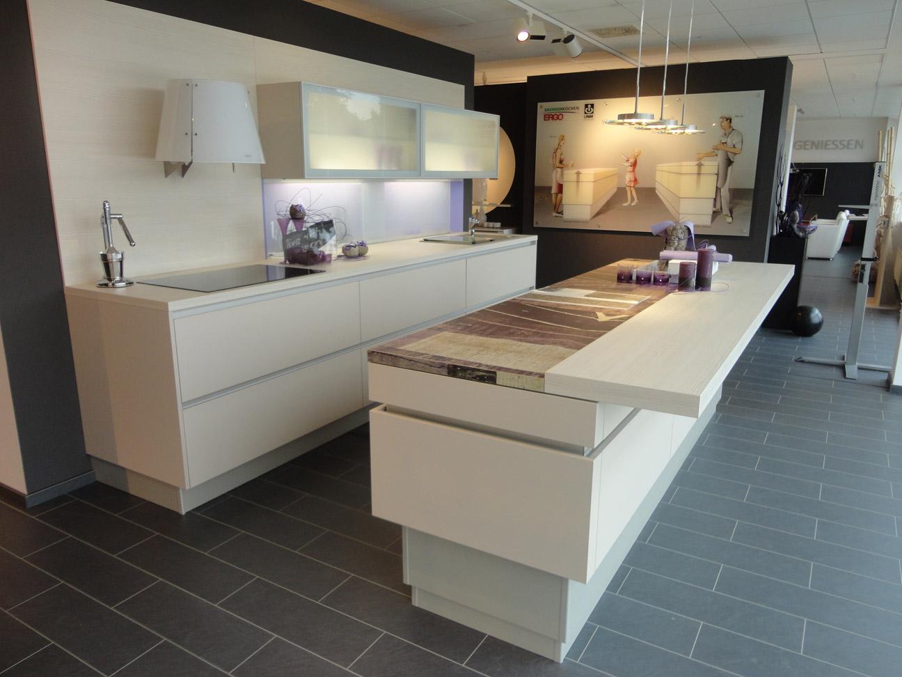 Foto Küche mit Kochinsele